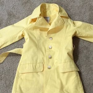 Yellow Pocketed Collar Tie Buttoned Rain Coat